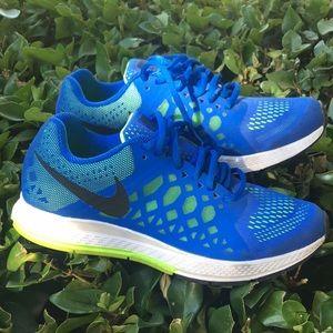 Nike men shoe size 7.5